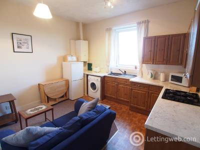 Property to rent in Great Northern Road (TR), Top Right, AB24