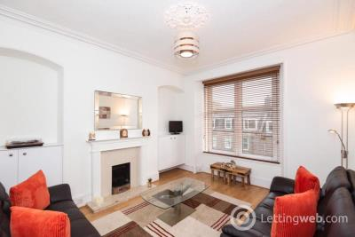 Property to rent in Holburn Street, Left, AB10