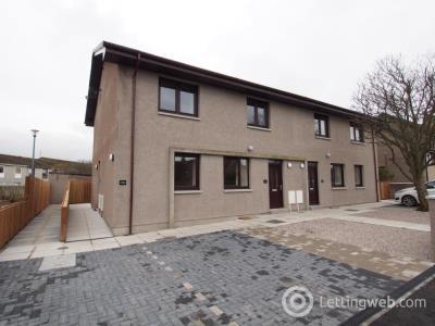 Property to rent in Netherhills Avenue, Blackburn, AB21