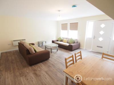 Property to rent in Charles Street, Aberdeen, AB25