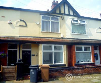 Property to rent in Irlam Avenue, Eccles, Manchester