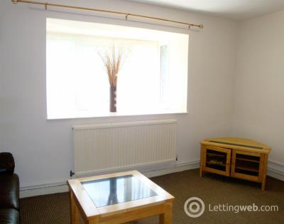 Property to rent in Knights Court, Canterbury Gardens, Salford