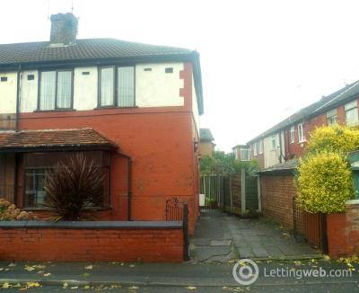 Property to rent in The Avenue, Salford