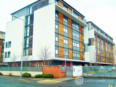 Property to rent in Madison Court, Salford Quays