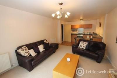 Property to rent in Hamilton Road, Uddingston