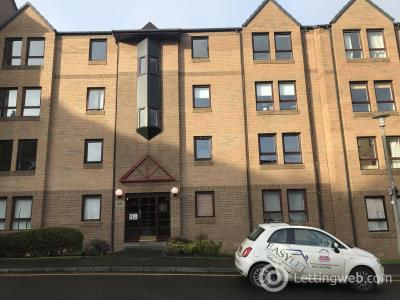 Property to rent in Parkside Terrace