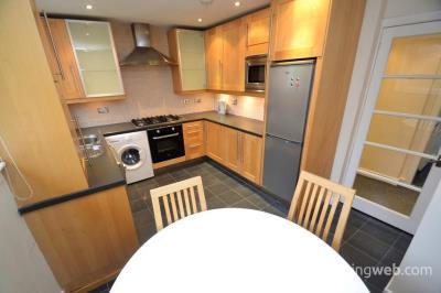 Property to rent in Sutherland Court, Pollokshields, Glasgow, G41 5EN