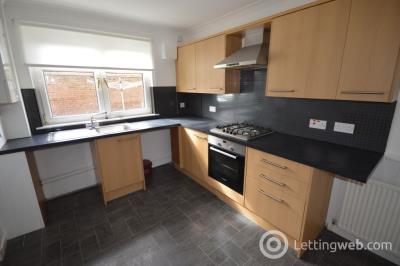 Property to rent in Townhead Street, Strathaven, South Lanarkshire, ML10 6AB