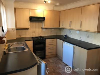 Property to rent in Whiteshaw Avenue