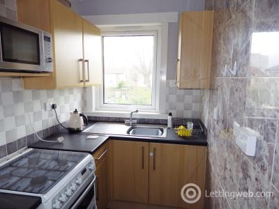 Property to rent in Restalrig Square