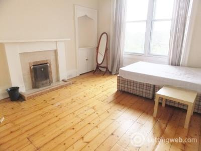 Property to rent in Morningside Road