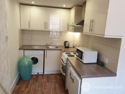 Property to rent in Wardlaw Place
