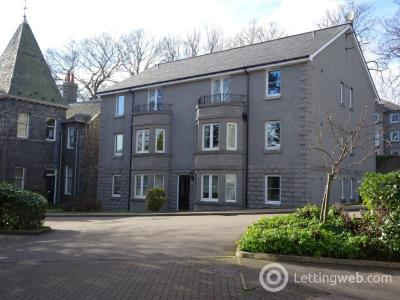 Property to rent in Fairfield Way