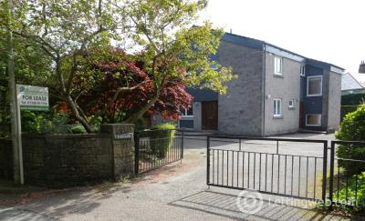 Property to rent in 10 Beaconhill Road
