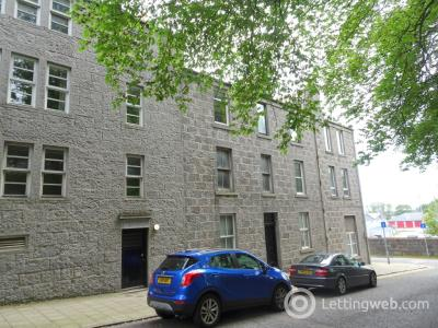 Property to rent in Flat A, 8 Spital