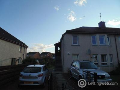 Property to rent in Windsor Crescent