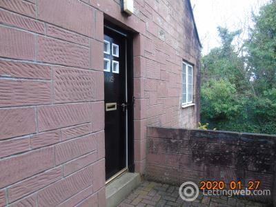 Property to rent in Lintwhite Crescent