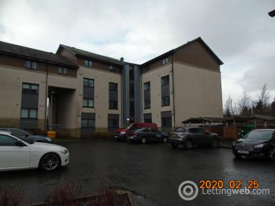 Property to rent in Millview Crescent