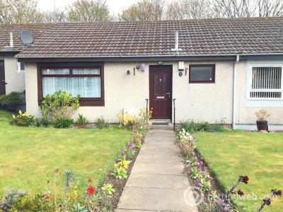 Property to rent in HAREHILL ROAD