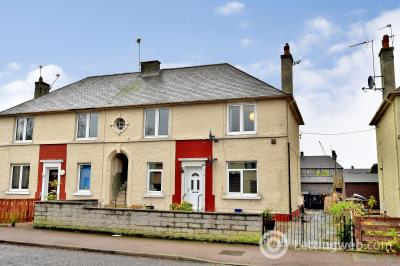 Property to rent in MIDDLEFIELD TERRACE