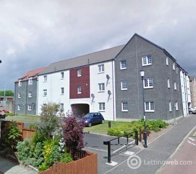 Property to rent in 11 Birrell Close