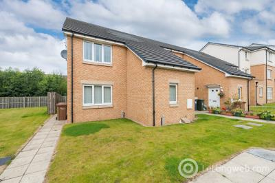 Property to rent in 9 Maude Close