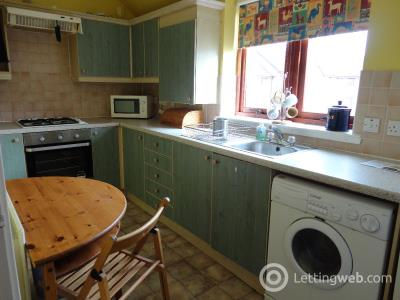 Property to rent in 17/7 Hawkhill