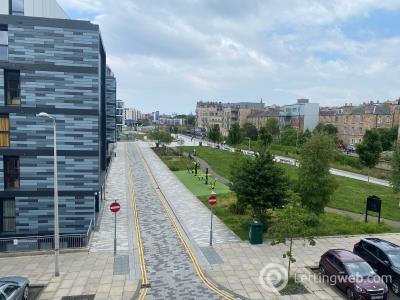 Property to rent in 33 3f3 Gibson Terrace, Edinburgh
