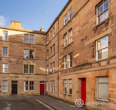 Property to rent in 6 Summerhall Square