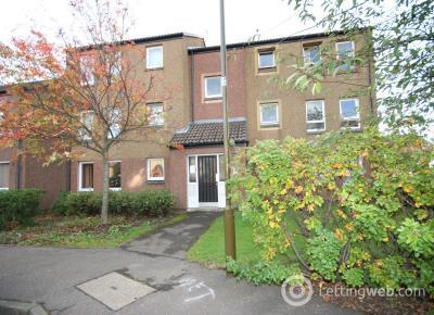 Property to rent in Wellside