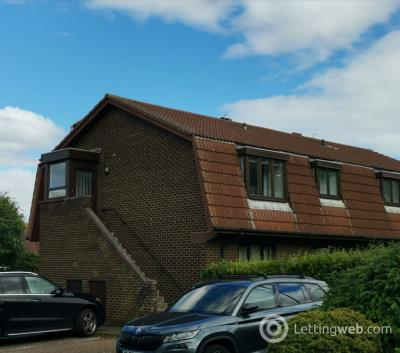 Property to rent in 2 Station Court, North Berwick, EH39 4DA