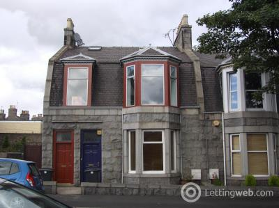 Property to rent in Elmfield Terrace