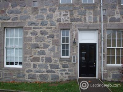 Property to rent in 17 Mary Elmslie Court