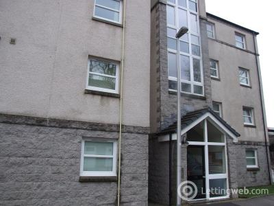 Property to rent in South College Street
