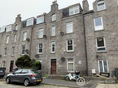 Property to rent in Summerfield Terrace