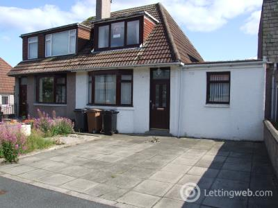Property to rent in Balgownie Crescent