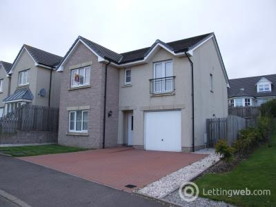 Property to rent in Balquharn Drive