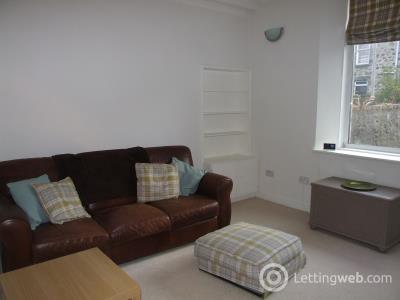 Property to rent in Summerfield Terrace