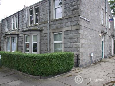 Property to rent in Hosefield Avenue