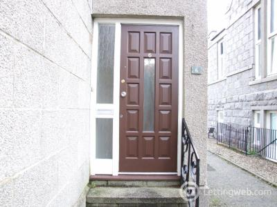 Property to rent in Cults Court, Cults, Aberdeen, AB15 9SZ