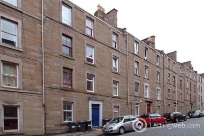 Property to rent in Rosefield Street, Dundee