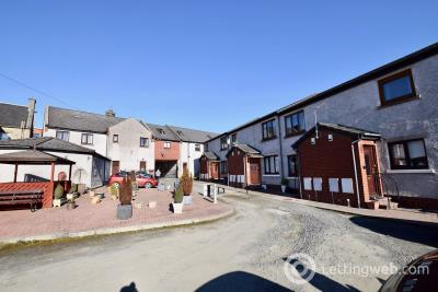 Property to rent in Bridge Court on South Bridge Street - Property is located opposite the Bus Stop Cafe / under the small archway