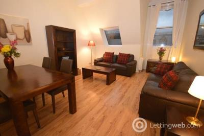 Property to rent in Royal Mile Mansions, North Bridge, EH1