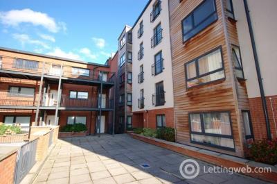 Property to rent in Salamander Court, Edinburgh, EH6