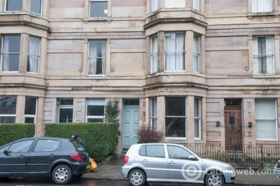 Property to rent in Gillespie Crescent