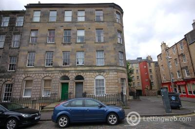 Property to rent in St Patrick Square, Edinburgh, EH8