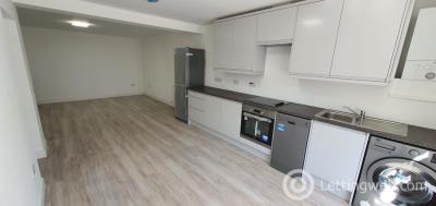 Property to rent in Perth Road (Basement), Dundee