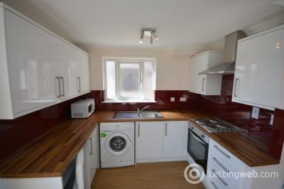 Property to rent in Hilton Court, Inverness, IV2