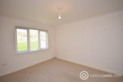 Property to rent in Pinewood Court, Inverness, IV2