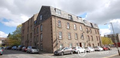 Property to rent in Crescent Street, Dundee